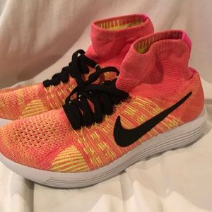 Nike Lunarlon Running Shoe women 10